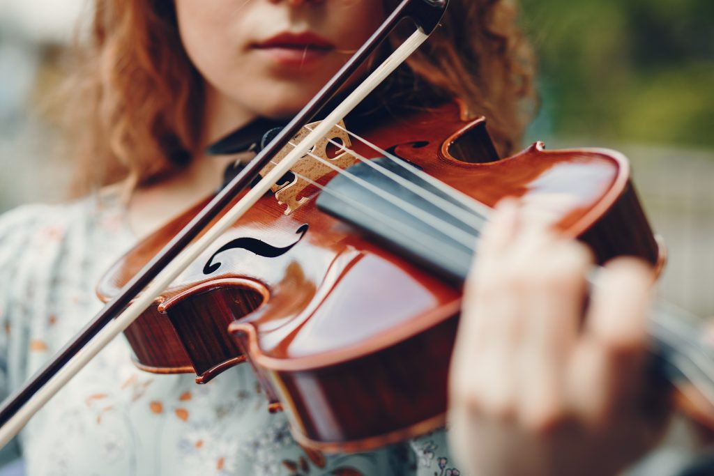 שיעורי מוזיקה בהרצליה, שיעורי כינור בהרצליה, שיעורי צ'לו, ויולה, קונטרבס